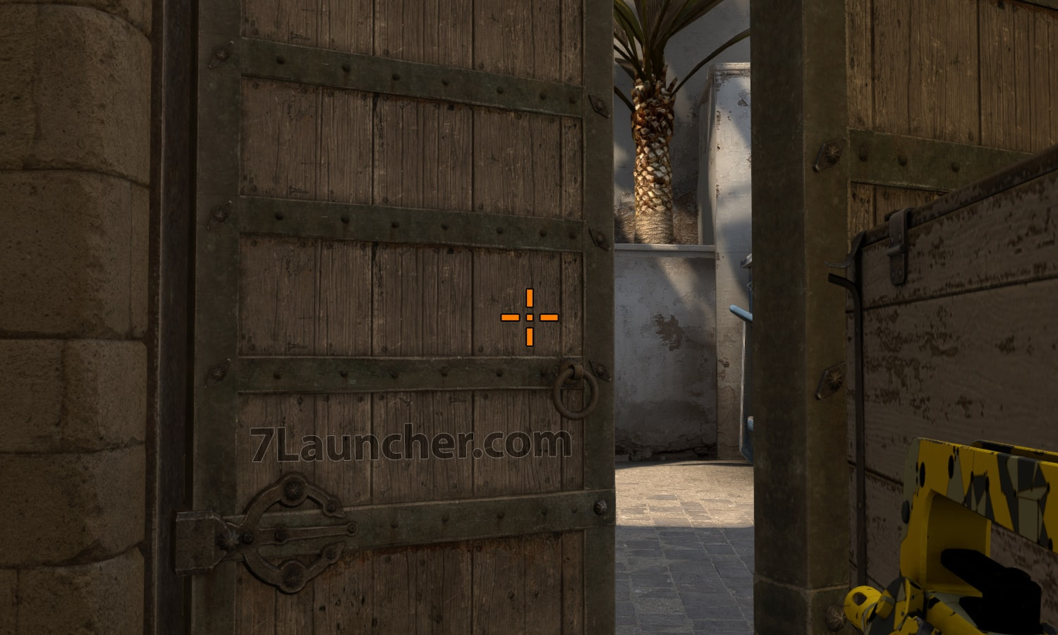 The orange crosshair in CS:GO